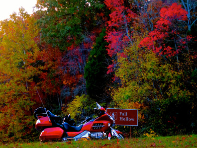 Fall Hollow - Honda Gold Wing - Natchez Trace Fall Foliage