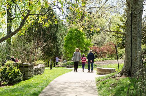 Visitors Enjoying Cheekwood In Bloom. Visitors Enjoying Cheekwood In Bloom.