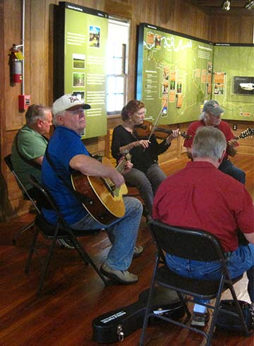 Natchez Trace String Band to Perform at the Parkway Information Cabin