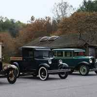 Antique car club pitstop at Garrison Creek.