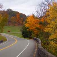 Looking north on the Natchez Trace Parkway at the Jackson Falls stop.