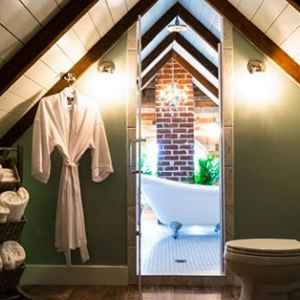 Luxurious Bathrooms - Natchez, MS Bed and Breakfast