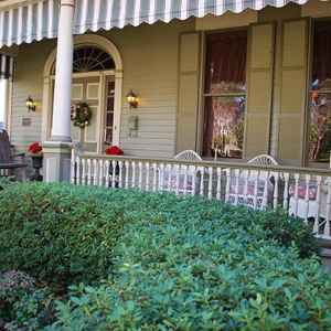 Front Porch at Devereaux Shields House B&B - Natchez, MS