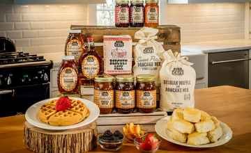 Take home a taste of the Loveless Cafe with southern food and gifts from Hams & Jams Country Market.