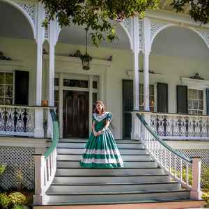 Natchez Pilgrimage of Antebellum Home Tours (spring and fall)