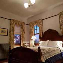 Maple Terrace Inn - Silkwood Room