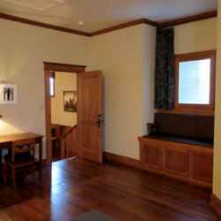 Presidents' Inn - Andrew Jackson guest room foyer area.