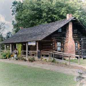 Huffman Log Cabin Gift Shop at French Camp Historic Village