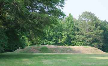 Bear Creek Mound Natchez Trace Natcheztracetravel Com