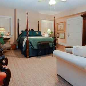 One of the four spacious, queen bed guest suites at this Natchez Bed and Breakfast.