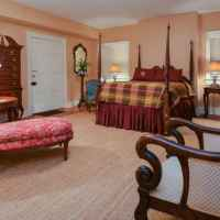 James Hardie Room - suite with queen size bed and private bathroom