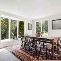 Spacious Dining Room - Table Seats 10