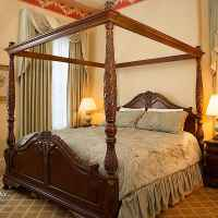 The William Martin Room - Deluxe Room - King Bed on 1st Floor