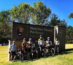 Group at Northern Terminus parkway sign - Natchez Trace Parkway