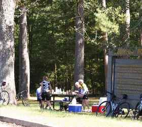 Enjoying a Picnic at the Robinson Road stop in Mississippi - Natchez Trace Parkway