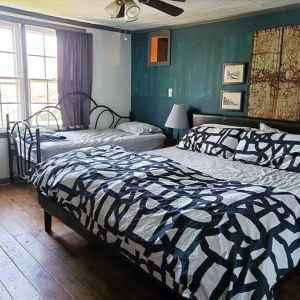 King Bed and Twin Bed